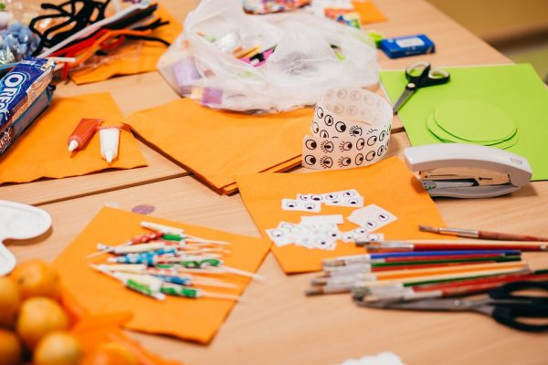 A table full of arts and crafts